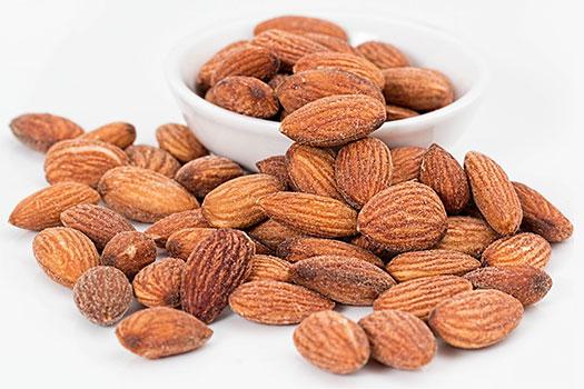 فوائد اللوز واستعمالاته الطبية Almond