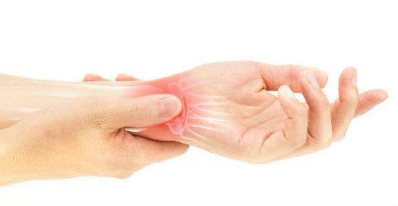 الم في المعصم أو اليد والاصابع