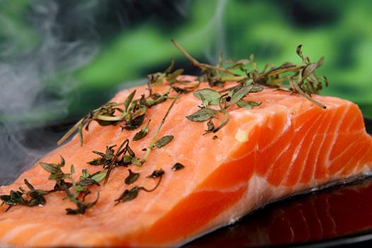 السمك، زيوت السمك والاحماض الدهنية أوميغا 3   تقليل خطر مرض القلب