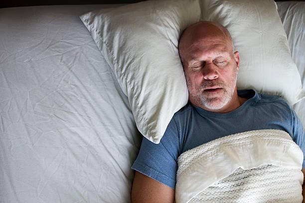 قلة النوم، الأرق، الشخير في مرحلة الشيخوخة