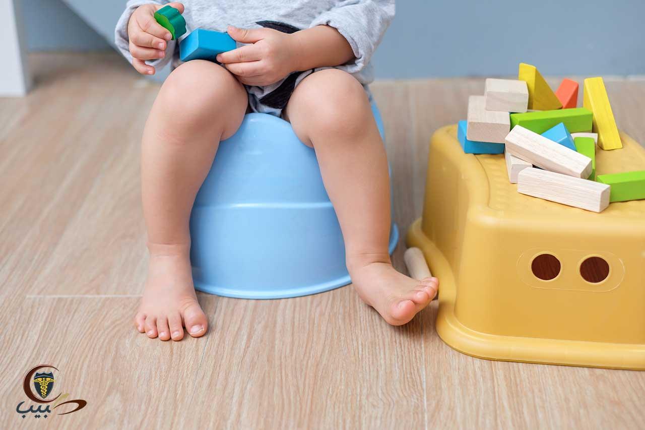 كيف تتصرف مع الطفل الذي لا بريد الجلوس على النونية أو القصرية