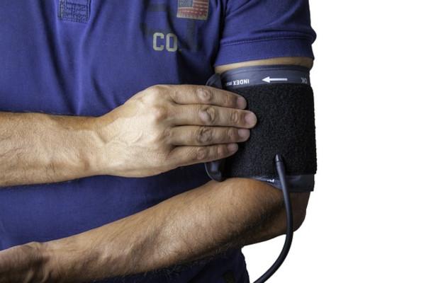 افحص ضغط الدم