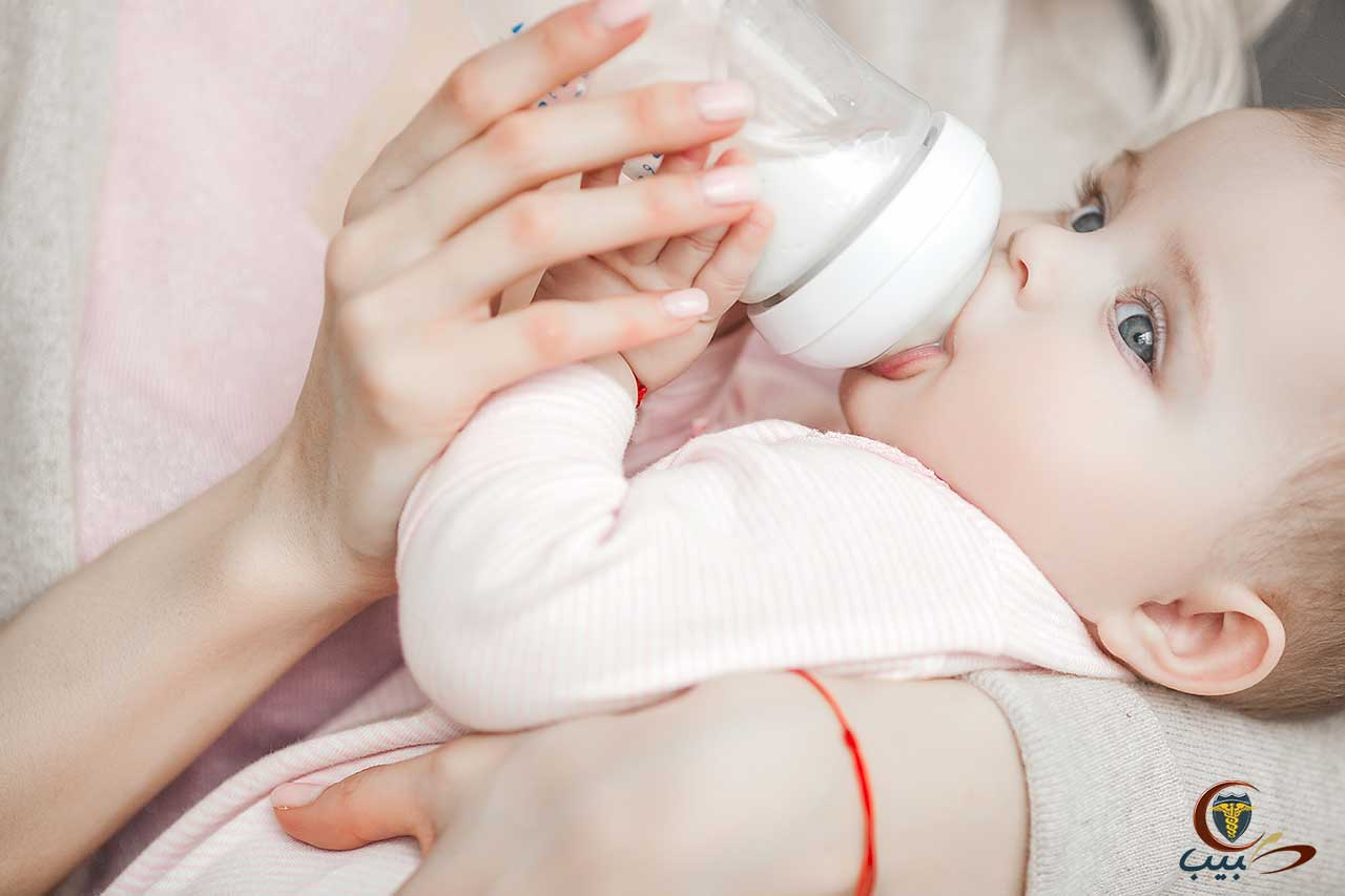 إرشادات يتوجب على الأم مراعاتها عند اعتماد الرضاعة الصناعية
