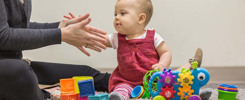 تطور النمو المعرفي والإدراكي للطفل الرضيع