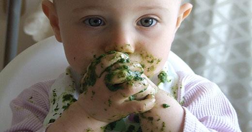 Image result for الطفل يلعب بالطعام