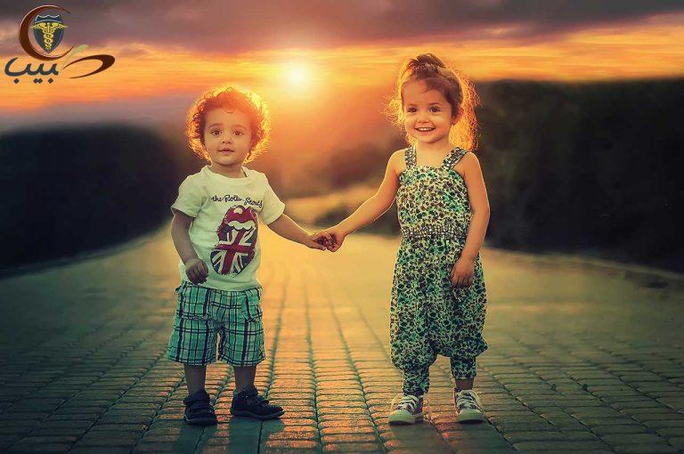 طول الطفل قصير أو طويل   وزن الطفل سمين أو نحيف
