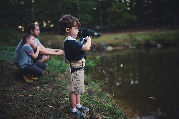 تربية الأطفال بالتعبير عن الدفء والدعم الحنون ضمن قواعد واتفاقيات