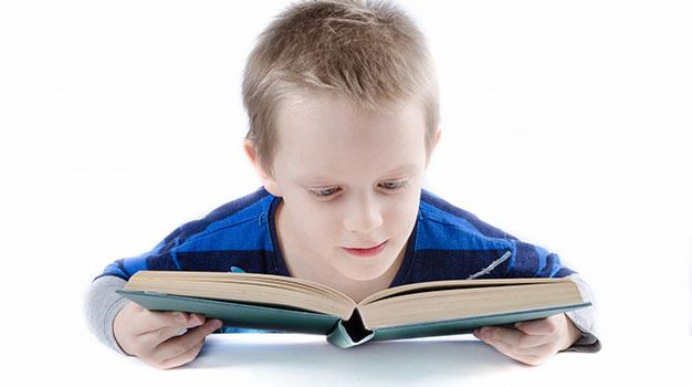 تعليم القراءة للطفل بطيء التعلم