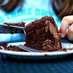 لماذا نلجأ للطعام لتحسين الحالة المزاجية