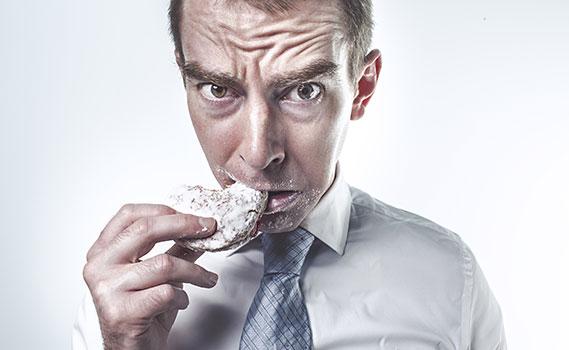 تخلص من نوبات النهم الشديد للسكر وإدمان الطعام