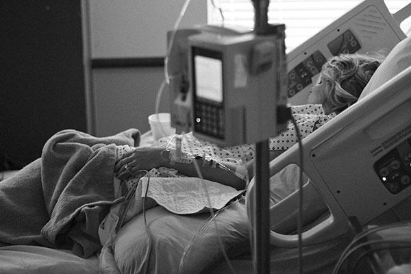 طرق تخفيف ألم المخاض وتسريع الولادة