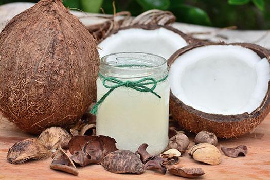 زيت جوز الهند صحي أم ضار؟ Coconut oil