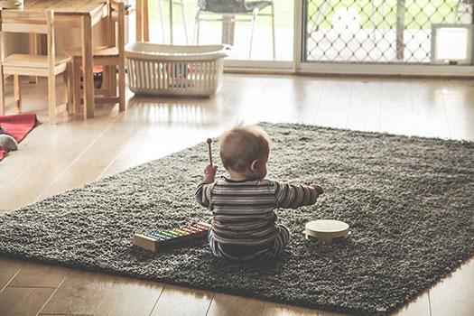الاستيقاظ المبكر للطفل في الشهر السادس