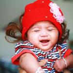 حمل الطفل في الشهر السابع لايقاف البكاء طوال اليوم