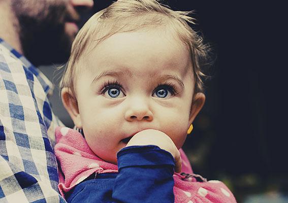 سوء سلوك الطفل مع الأم في الشهر السابع