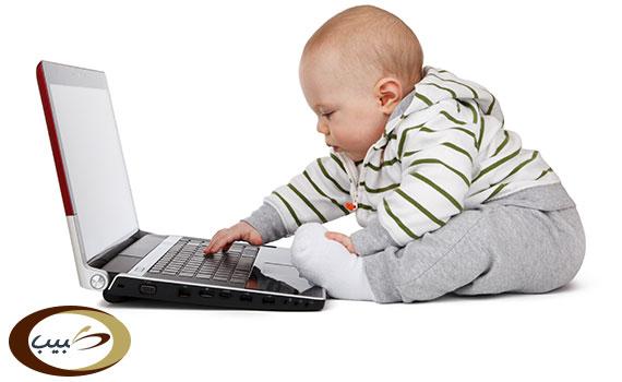 قدرات ومهارات الطفل في الشهر الخامس
