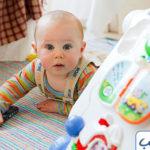قدرات ومهارات الطفل في الشهر الرابع
