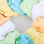 درجة حرارة الغرفة والملابس والشمس للطفل الرضيع