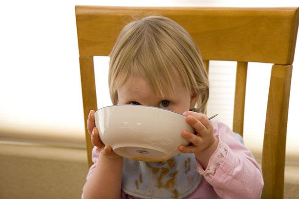 مشكلات الطفل المتعلقة بالتغذية