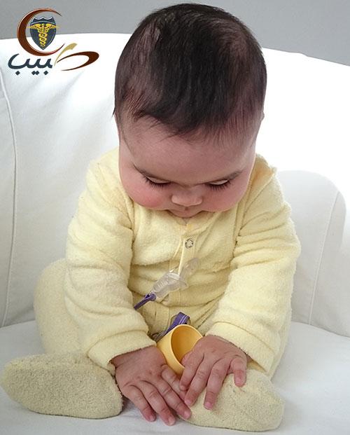 النمو البدني للطفل من الشهر الرابع وحتى الثاني عشر