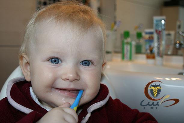 صحة وأمراض الفم ونمو الأسنان للطفل