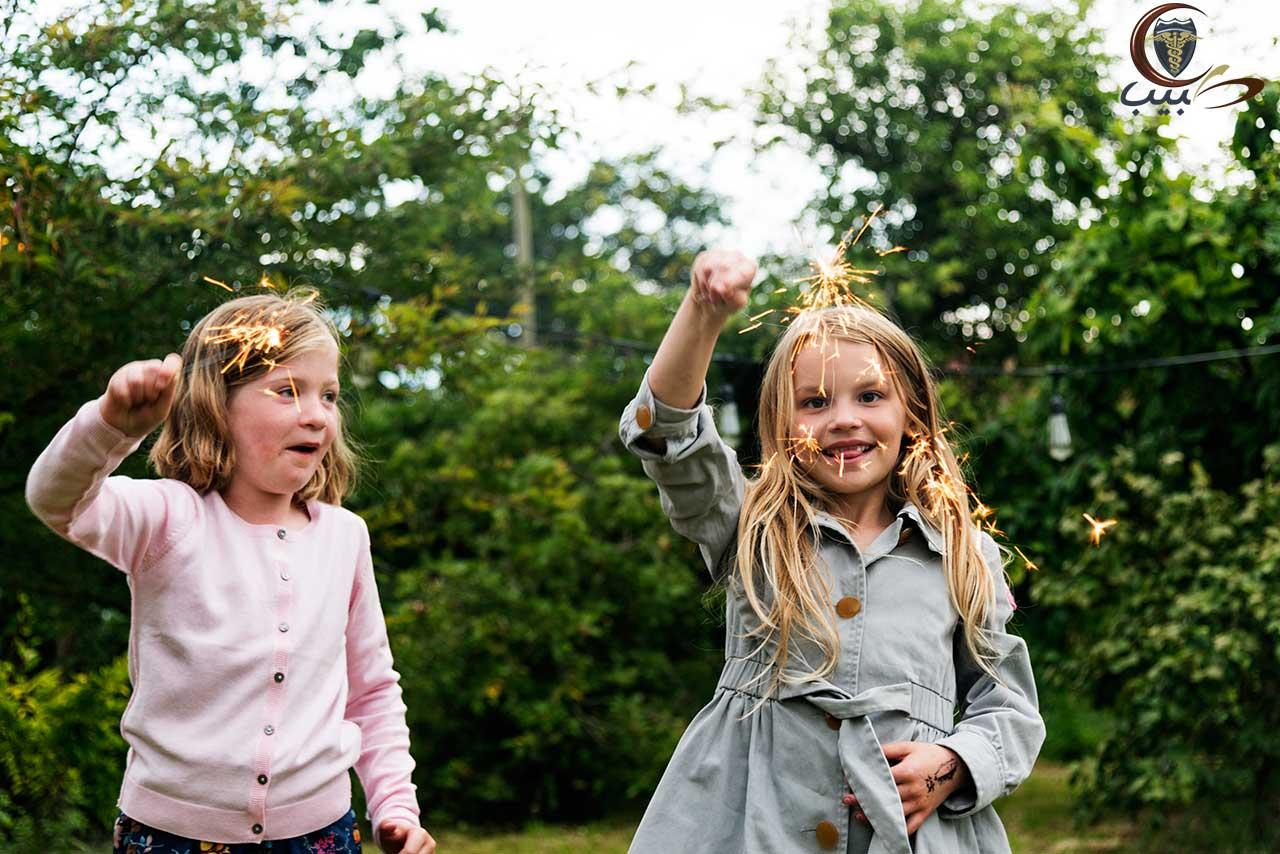 إجراءات السلامة للطفل مع الألعاب النارية والاحتفالات