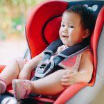 الحفاظ على أمان وسلامة الطفل عند ركوب السيارة