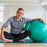 تمارين يوغا لعلاج الألم العضلي الليفي