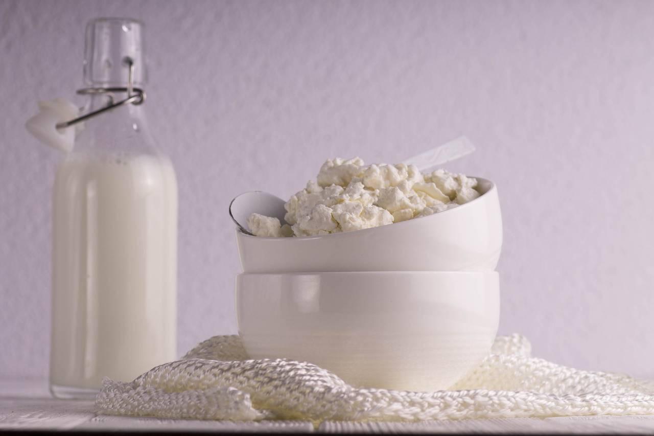 آثار الهرمونات المخفية في الأجبان ومنتجات الألبان والحليب