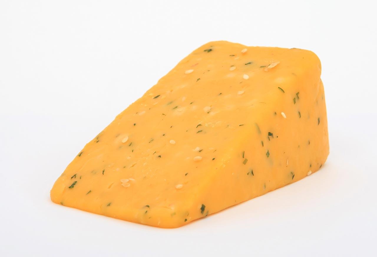 أضرار الجبن: أكثر الأطعمة تعرضًا للمعالجة الصناعية